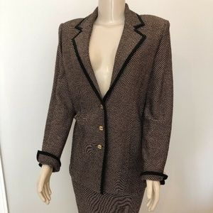 St. John 2 Piece Skirt Set Jacket Sz 8